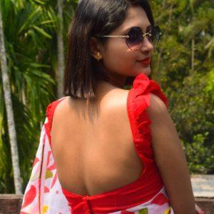 Sleeveless Backless frill blouse